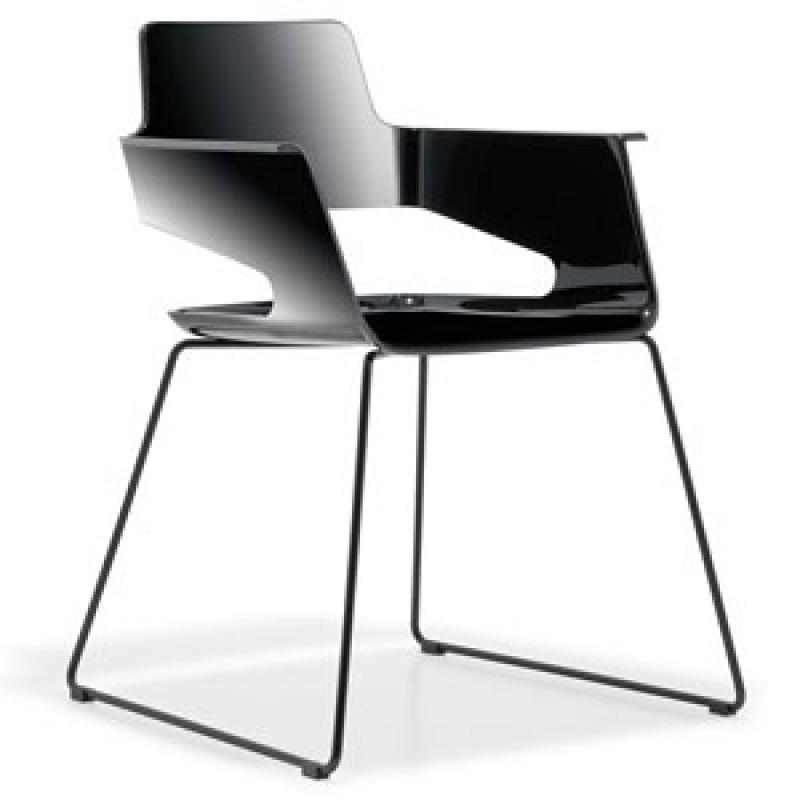 005 B32 szánkótalpas szék (Art. 569)